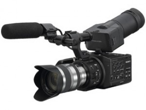 Videocamera Sony NEX-FS100 DV + 18-200mm (Eng menu)